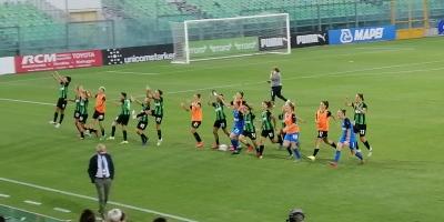 Il Sassuolo femminile festeggia dopo il 2-0 contro la Sampdoria